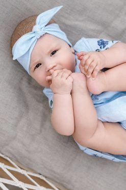 Light blue summer outfit for kids - baby girl.